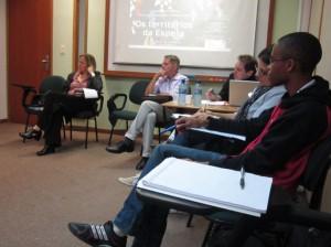 Momento de diálogo entre os presentes – 10/06/13 (UFRJ)